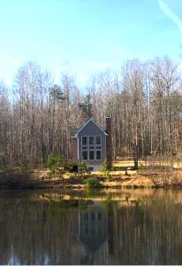 Ashlyn Pond Amissville VA